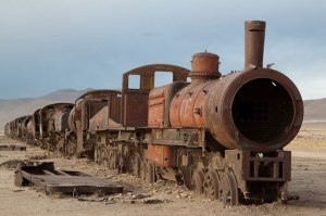 Abanonded-steam-engine-in-Uyuni-train-cemetery-Bolivia.-Photo-By-jimmyharris